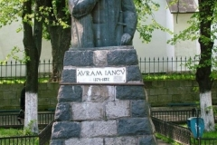 statuia-avram-iancu